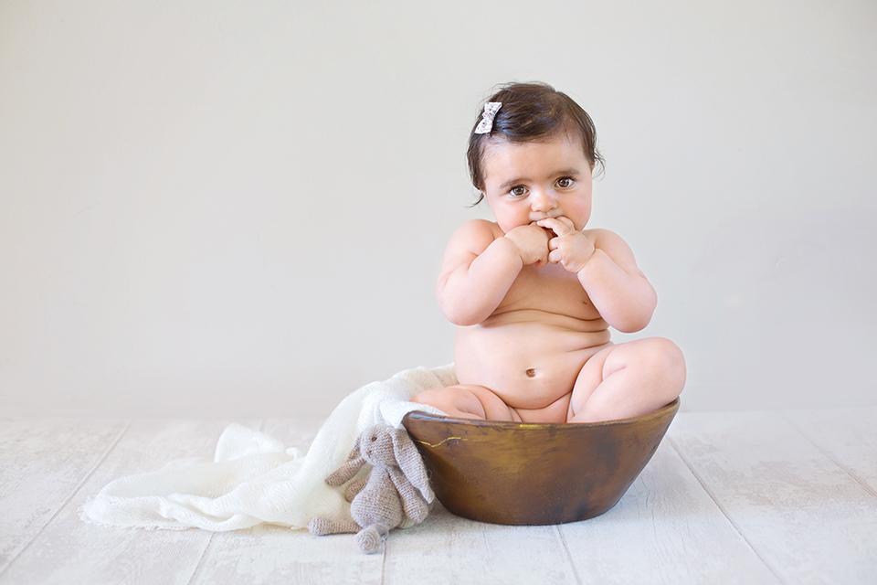 photographe-bebe-orleans-doudou-basile-et-capucine