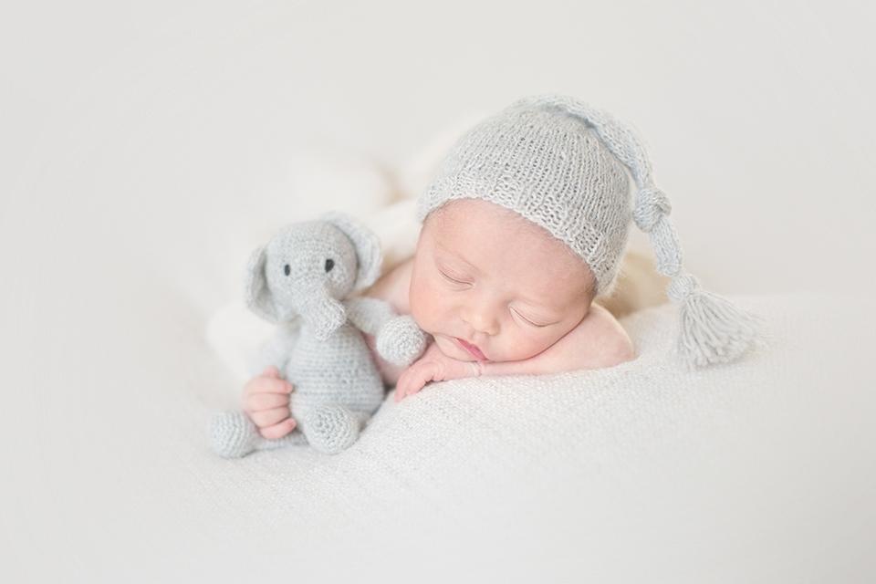 photographe-bebe-paris-doudou-basile-et-capucine