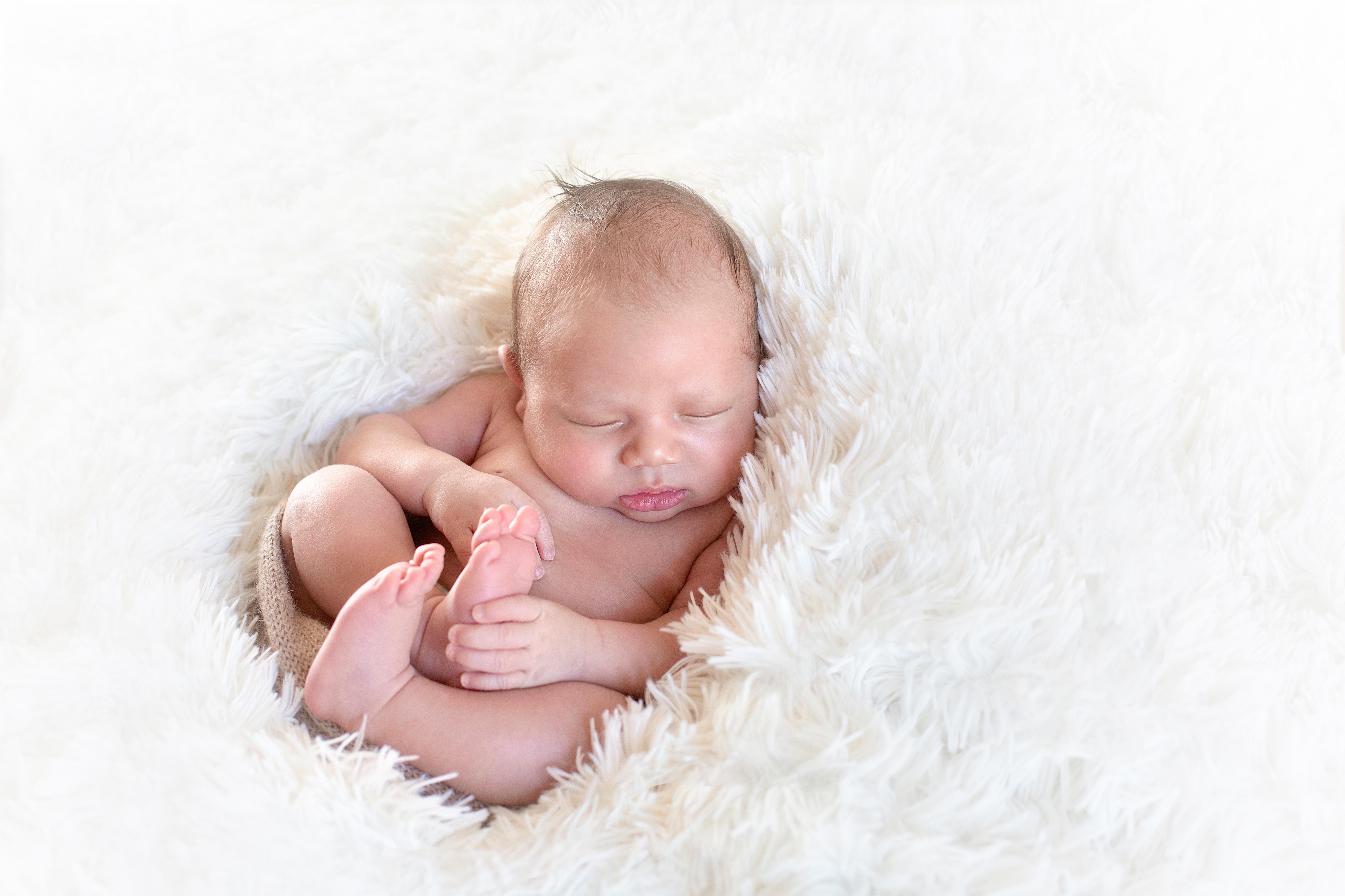 photographe-bebe-seance-personalisee-sur-mesure-experiences-nouveau-ne-paris