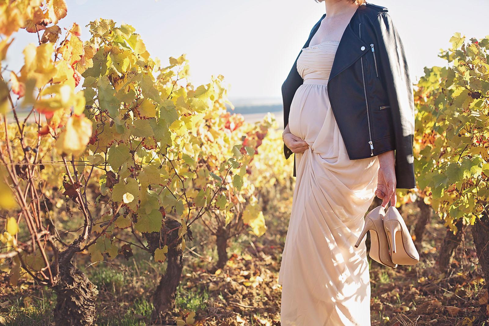 photographe-maternite-bourges-femme-enceinte-grossesse-haute-couture-sur-mesure-paris