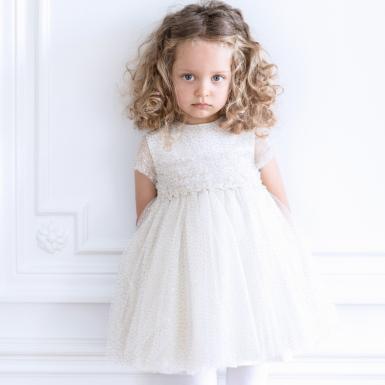 photographe-naissance-paris-robe-or-tulle-et-paillettes-ceremonie